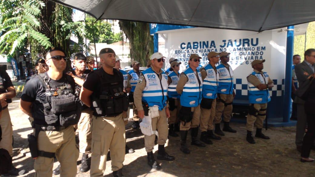 Guardas municipais perfilados durante lançamento do Rio+Seguro na Taquara. Foto: Marcelo Piu / Prefeitura do Rio