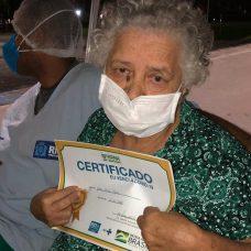 Dona Glória venceu a fase crítica da Covid-19. Foto: Divulgação / Prefeitura do Rio