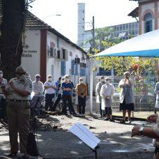 """Projeto """"Abraço Musical"""" aconteceu nesta segunda no Hospital Rocha Maia, em Botafogo. Foto: Robert Gomes / Guarda Municipal"""
