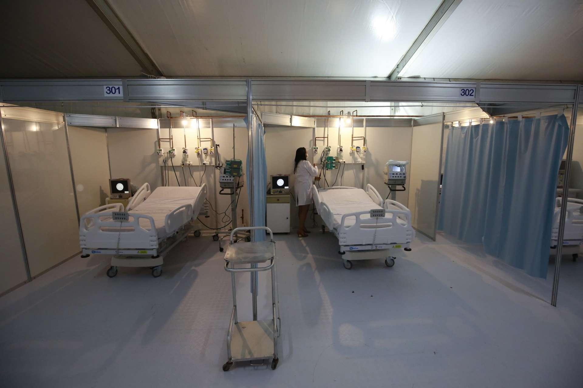 Leitos do hospital de campanha da Prefeitura, no Riocentro. Foto: Marcos de Paula / Prefeitura do Rio