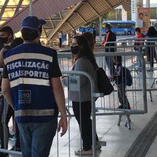 Agentes registraram 450 autuações em quatro dias de fiscalização. Foto: Divulgação / Prefeitura do Rio